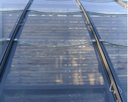 Détail fixation du verre tuilé