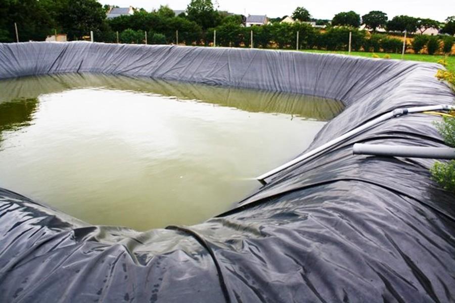 B che de bassin 350 g la coupe jardin couvert for Bache de bassin qui fuit