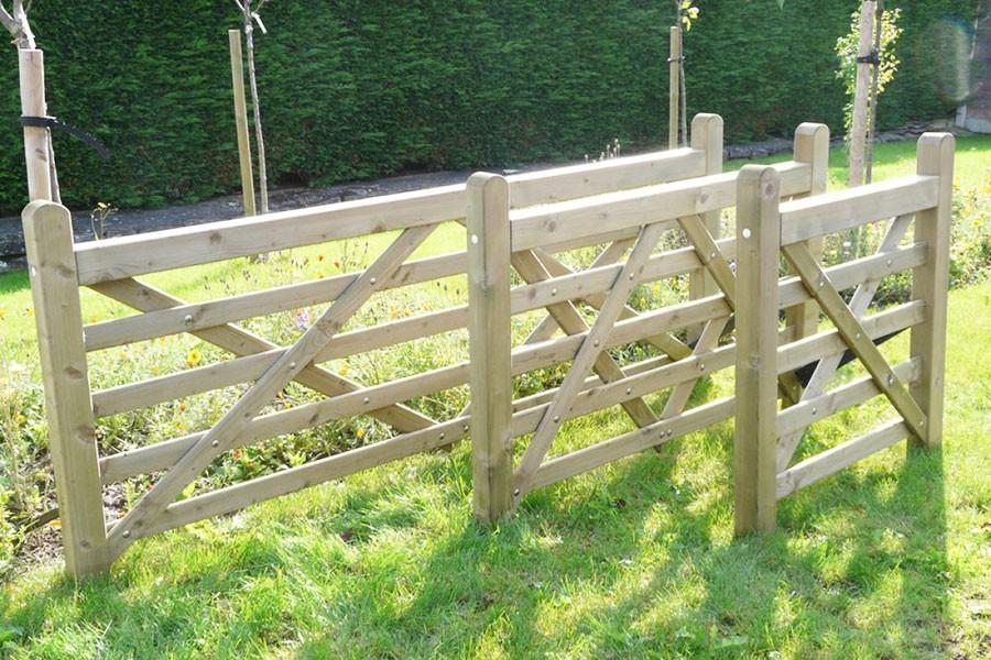 Barrière de jardin en bois   Closdestreilles