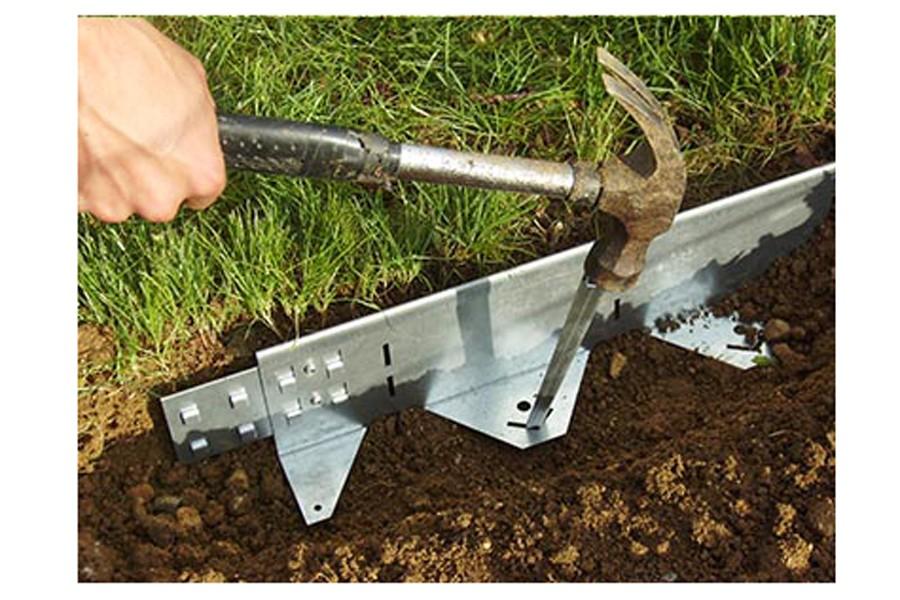 Bordure querre acier jardincouvert for Bordure metal pour jardin