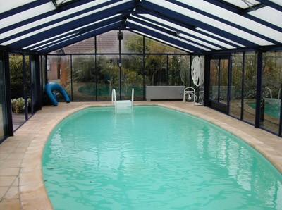 Abri de piscine en aluminium